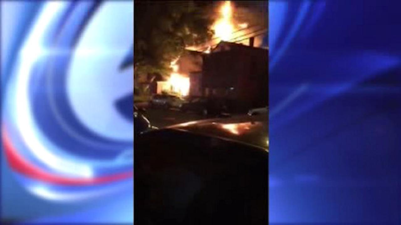 4-alarm fire burns through 2 homes in Jersey City