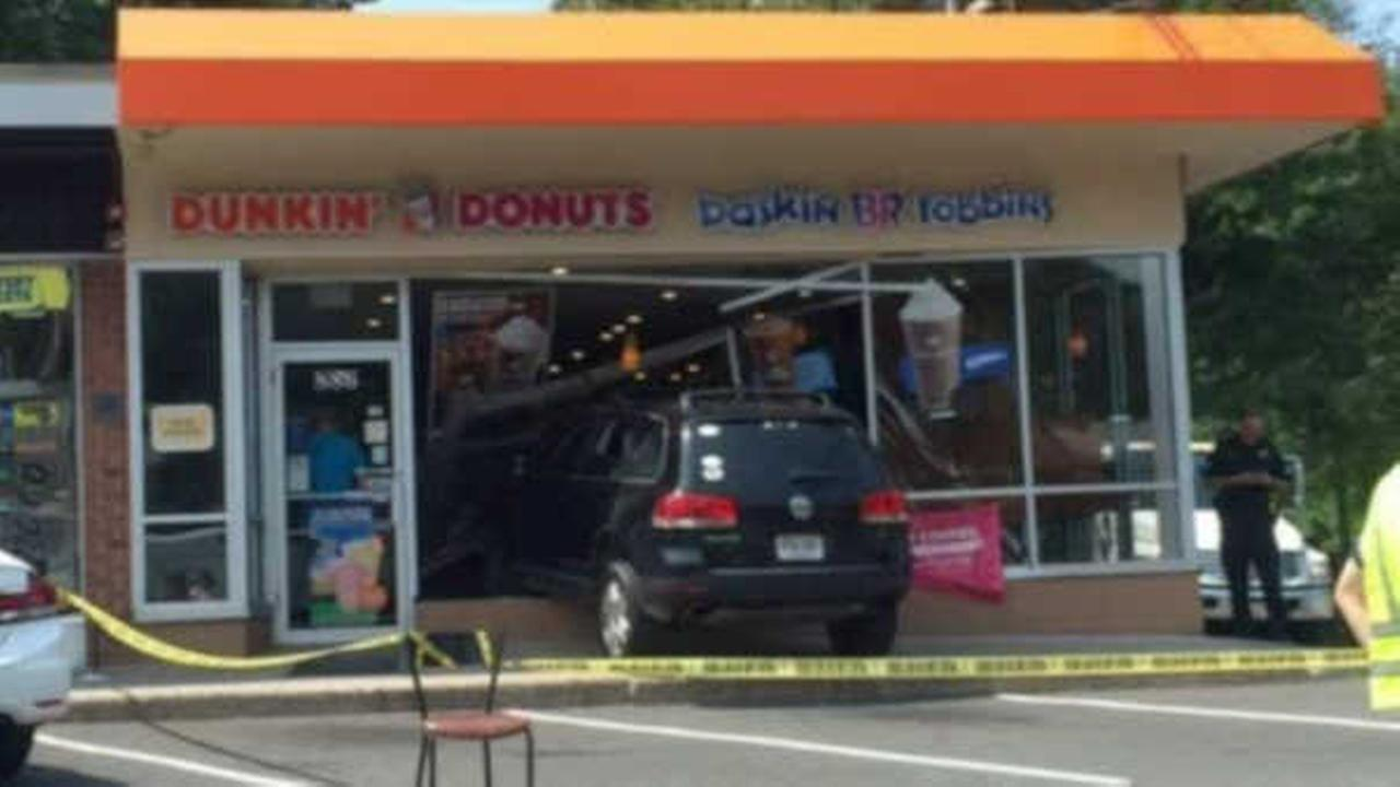 Teen practicing for learner's permit crashes into New Jersey Dunkin' Donuts