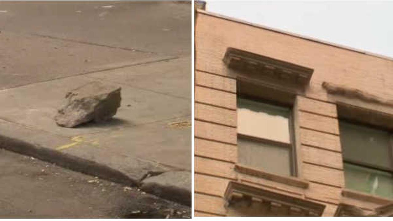 5 apartments evacuated after chunk of concrete falls off Union Square building