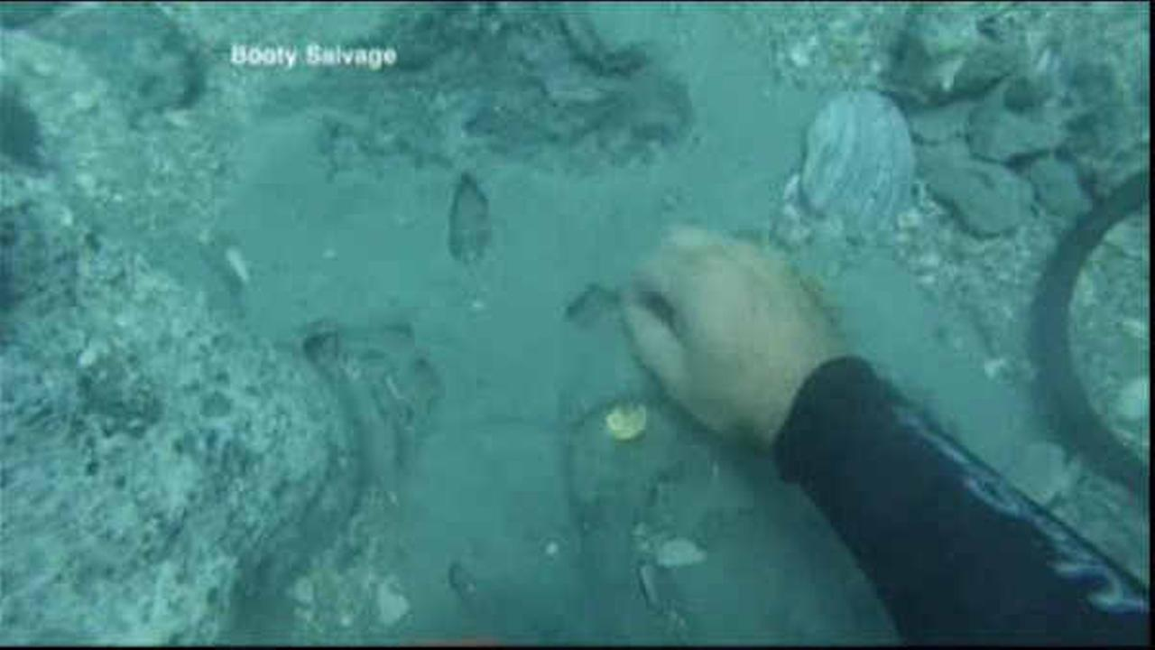 Family finds $1 million in gold in 300-year old Florida shipwreck