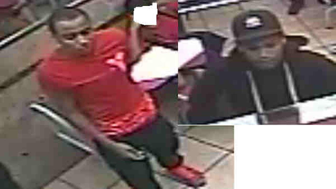Police: 2 robbed Bronx chicken restaurant