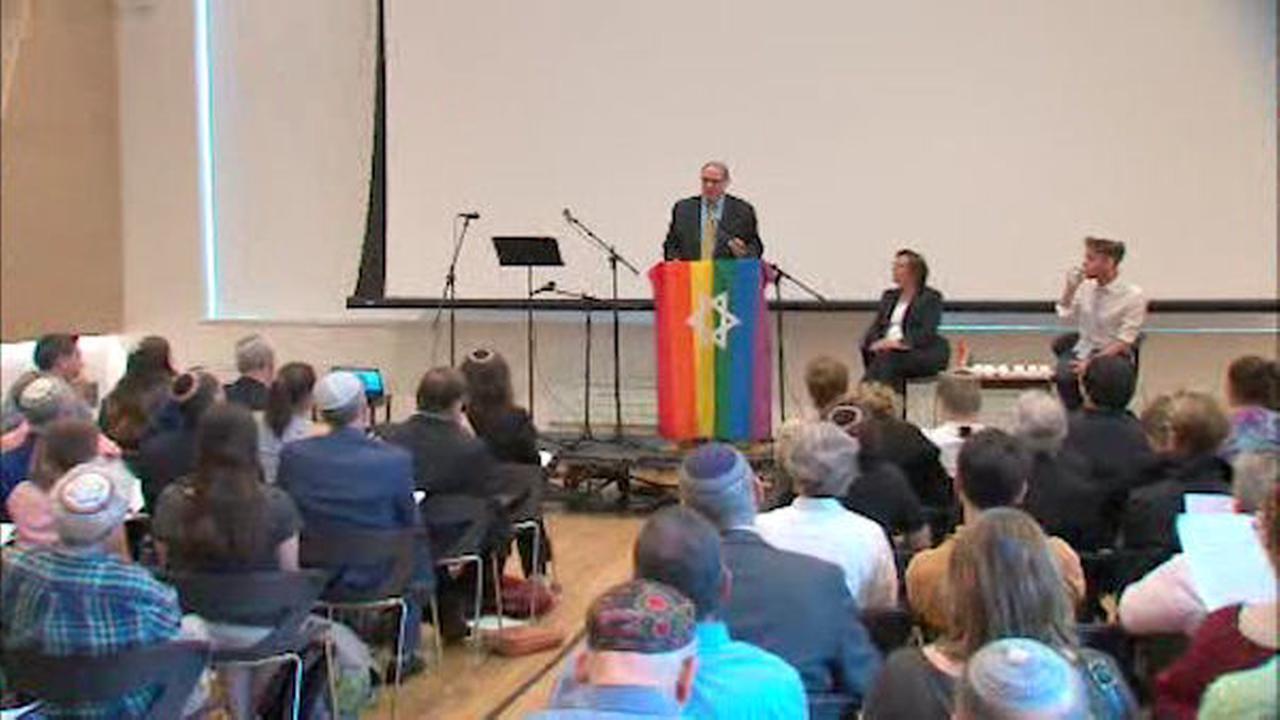 Memorial held in NYC for Jewish teen killed at gay pride parade in Jerusalem