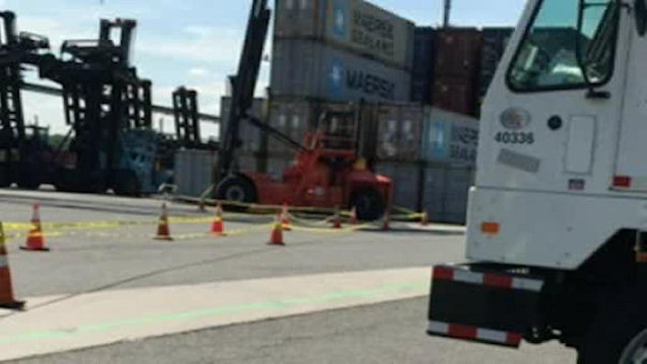 Dockworker killed in top loader accident in Elizabeth, New Jersey
