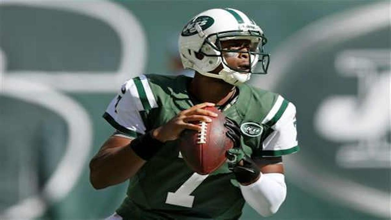 NFL reviewing Jets' locker room punch of quarterback Geno Smith