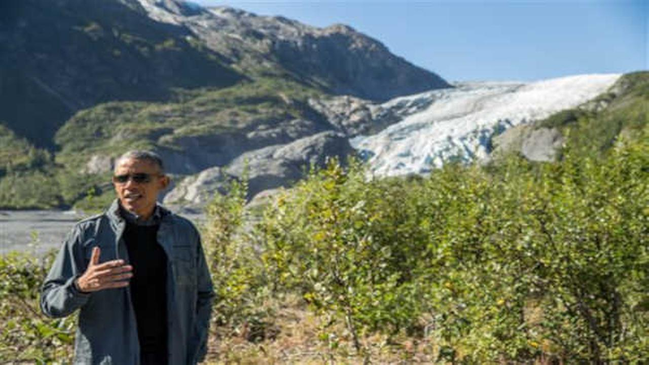 Obama buys out all the cinnamon rolls at an Alaskan Cafe