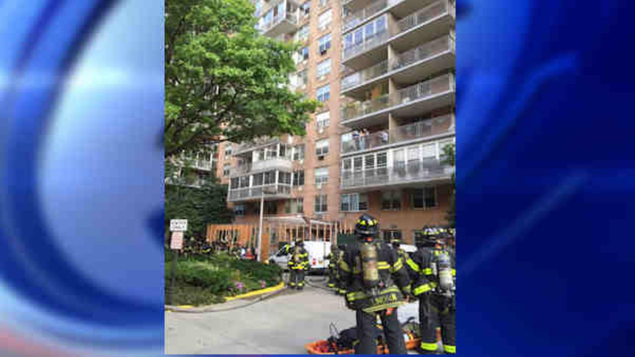 Fire breaks out in Upper West Side building on 66th Street