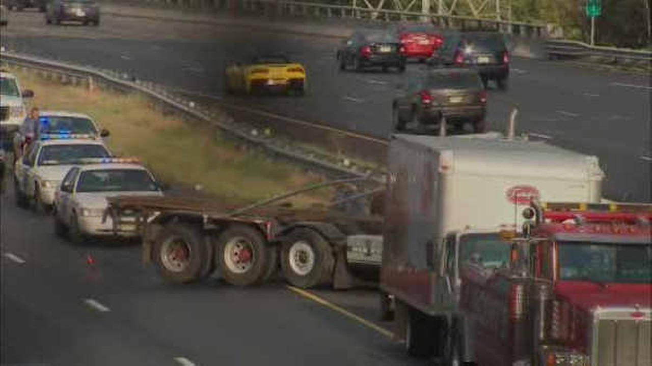 Tractor-trailer accident causes major delays on I-287 in Edison