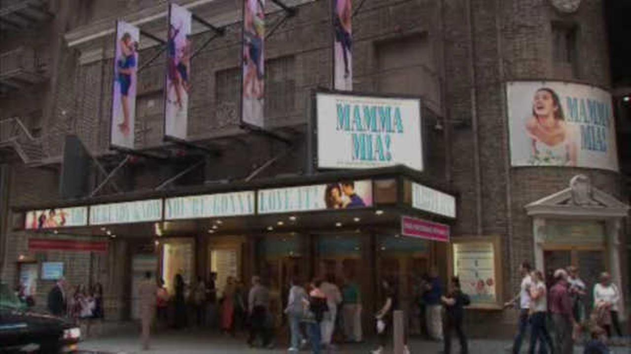 'Mamma Mia' takes final bow on Broadway after 14 years