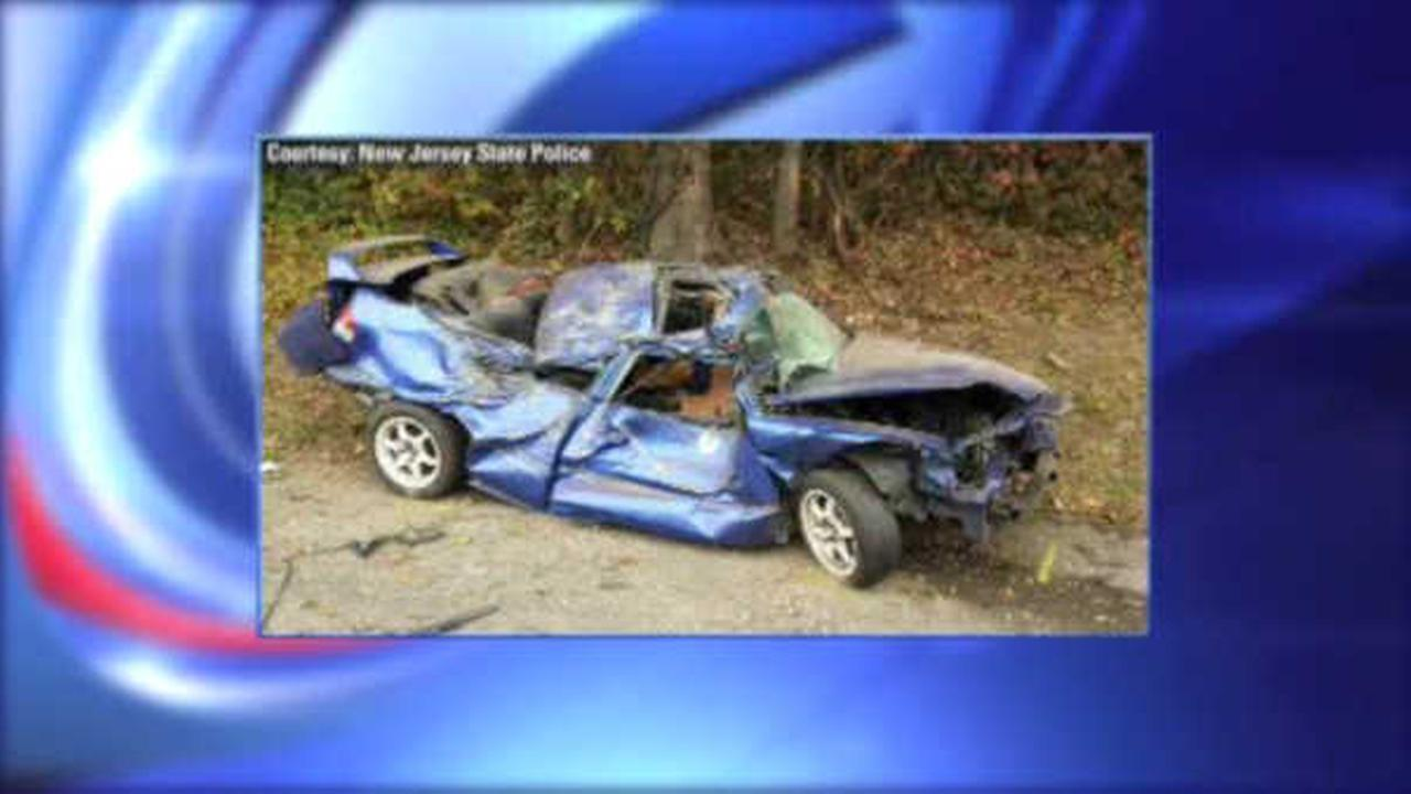 New Jersey State Trooper's window smashed while investigating accident