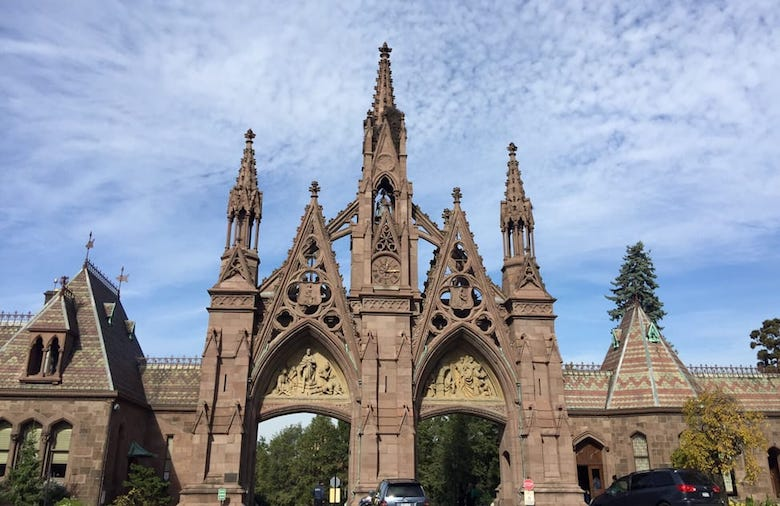 Green-Wood Cemetery. | Photo: Lourdes M./Yelp