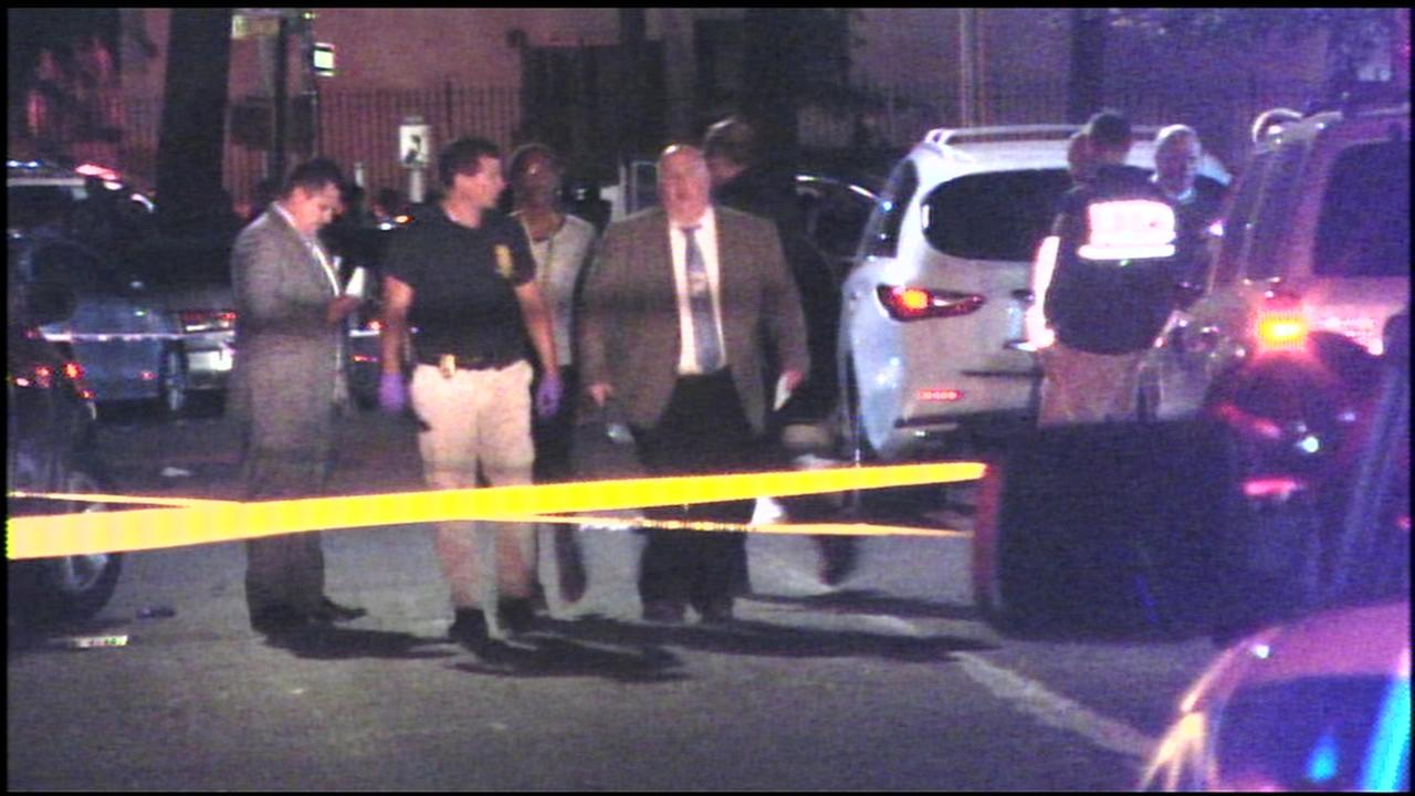 Father killed while walking with teenage son in Bronx
