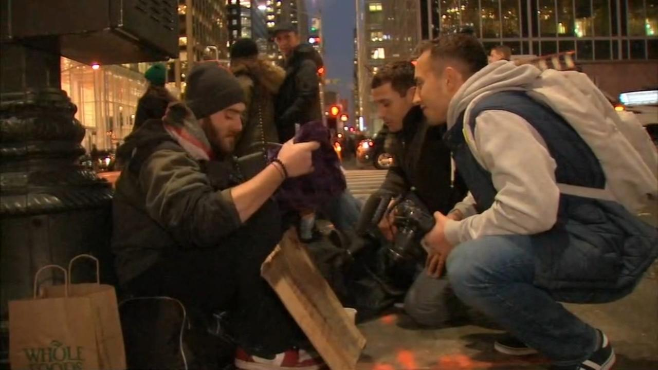 Brothers give out blankets to the homeless on 'Giving Tuesday'