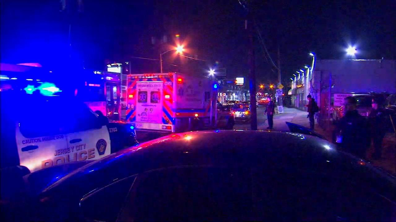 Man shot after allegedly lunging at police with glass shard in Jersey City