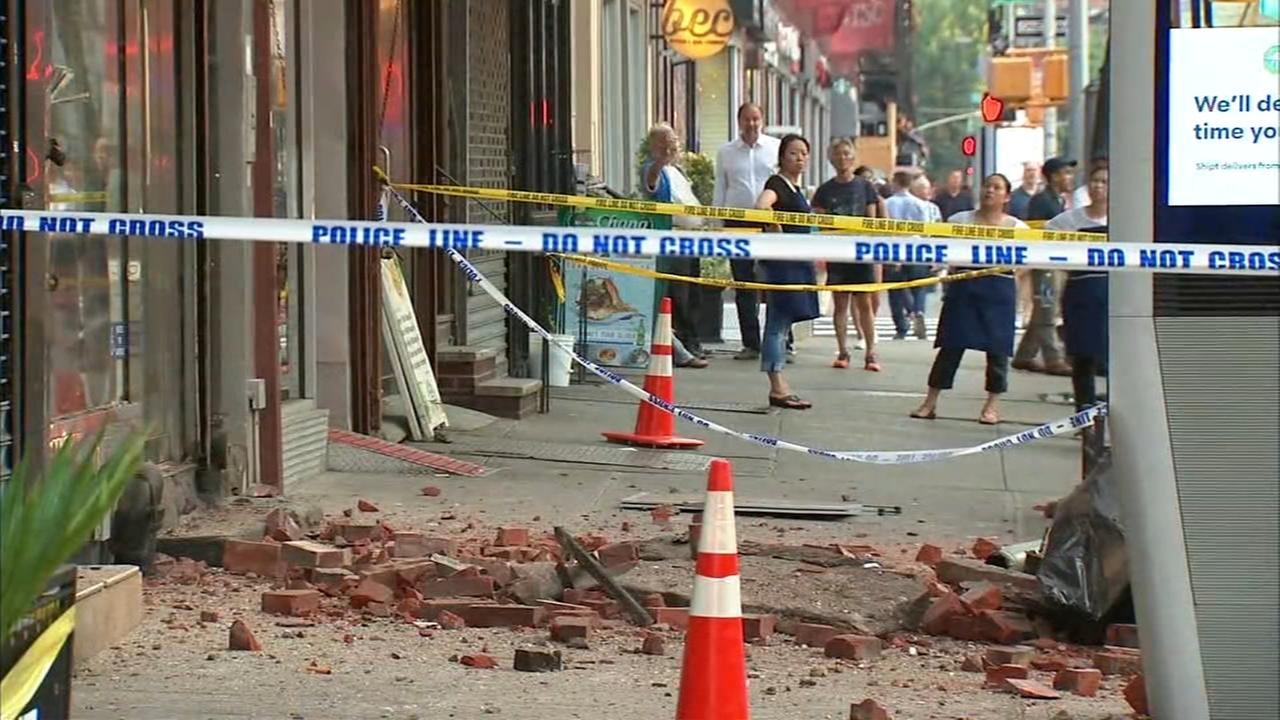Building evacuated following partial facade collapse in Chelsea
