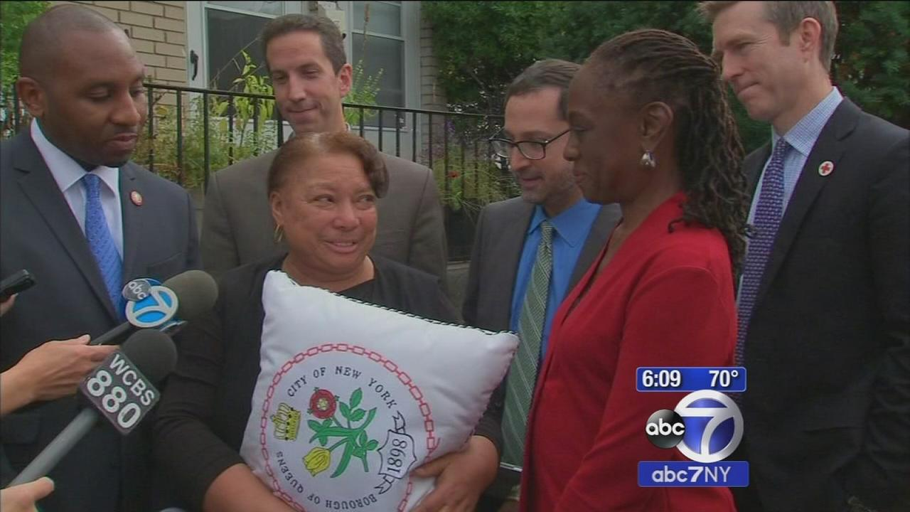 First Lady of NYC tours home repaired after Superstorm Sandy
