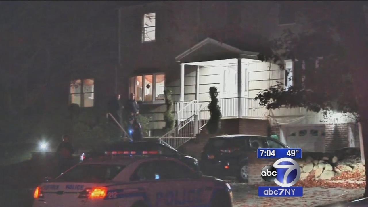 Man shot after answering door in Dix Hills