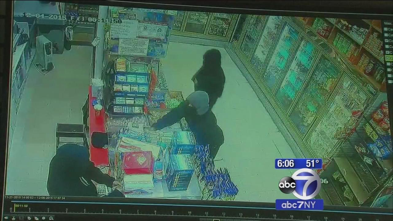 Bronx deli worker strikes back, fights off armed robbers