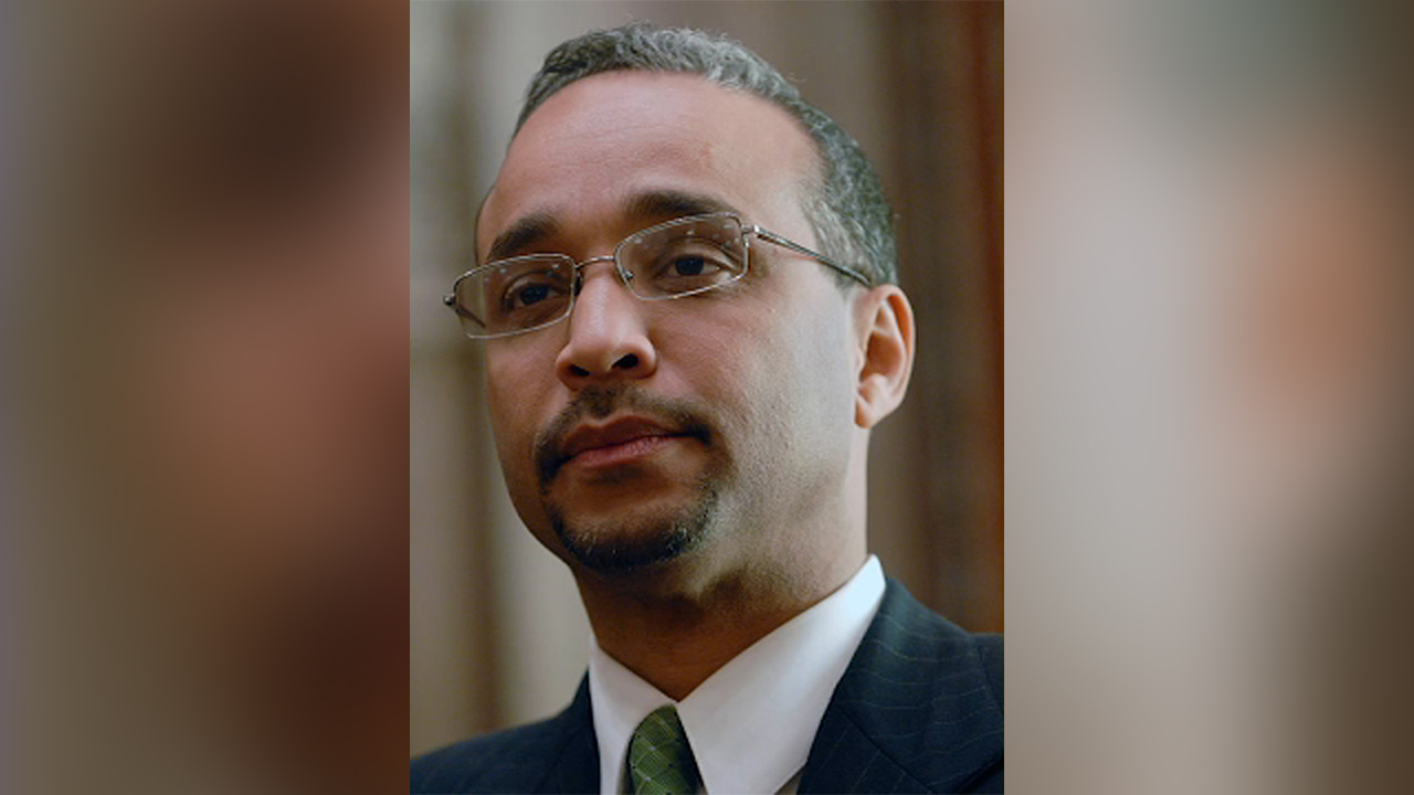 Flags lowered in tribute to NY state Sen. Jose Peralta after unexpected death