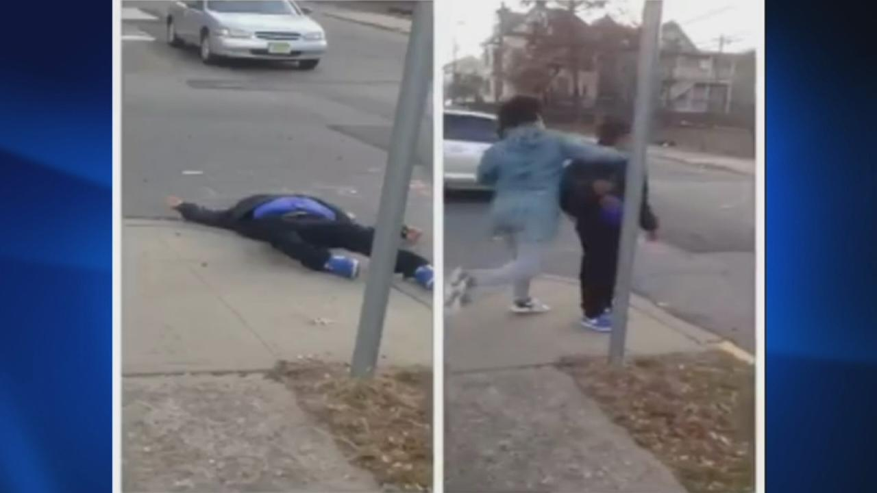 Disturbing video of apparent knockout game in Paterson