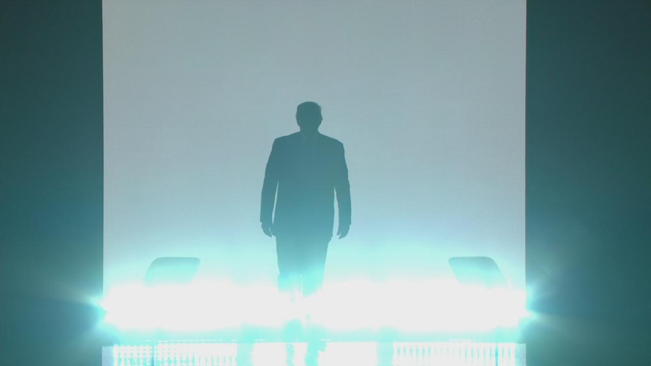 Donald Trump makes grand entrance