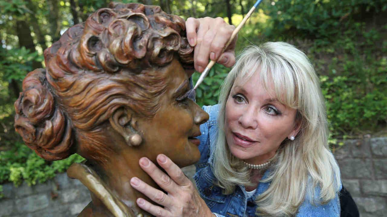 Artist Carolyn Palmer was chosen to create a replacement statue for one dubbed Scary Lucy, in the late actress Balls hometown. The much-maligned statue of Ball will be replaced.