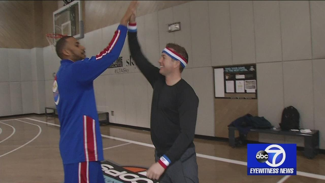 Trying out the Harlem Globetrotters 4-point shot