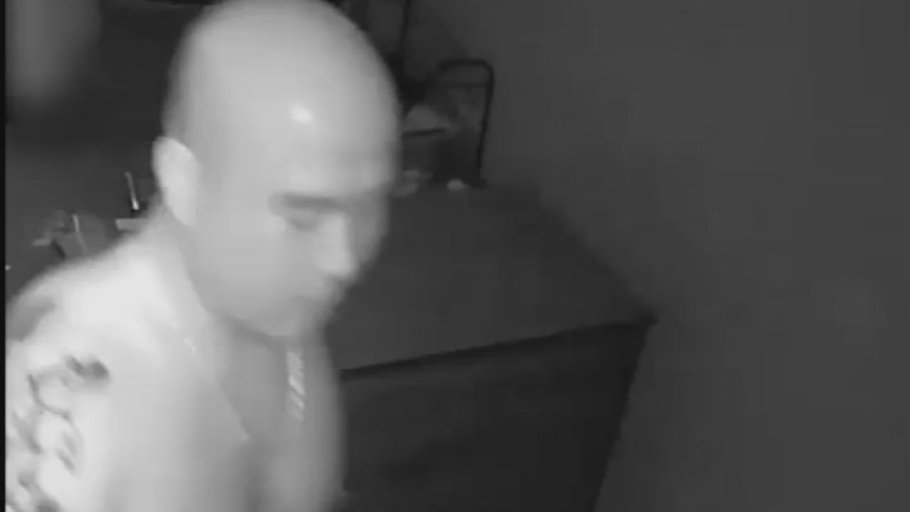 Suspect wanted in Flushing sex assault