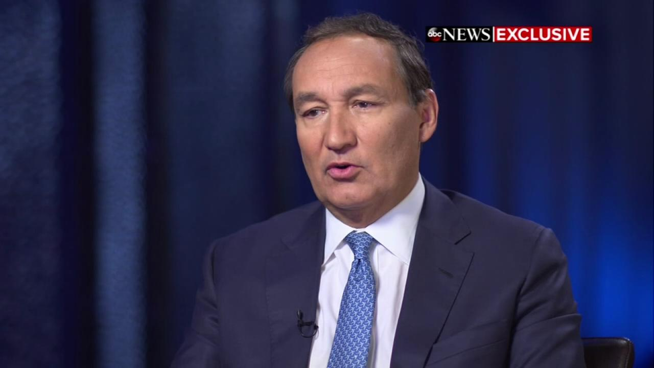 United CEO Oscar Munoz talks about passenger removal controversy