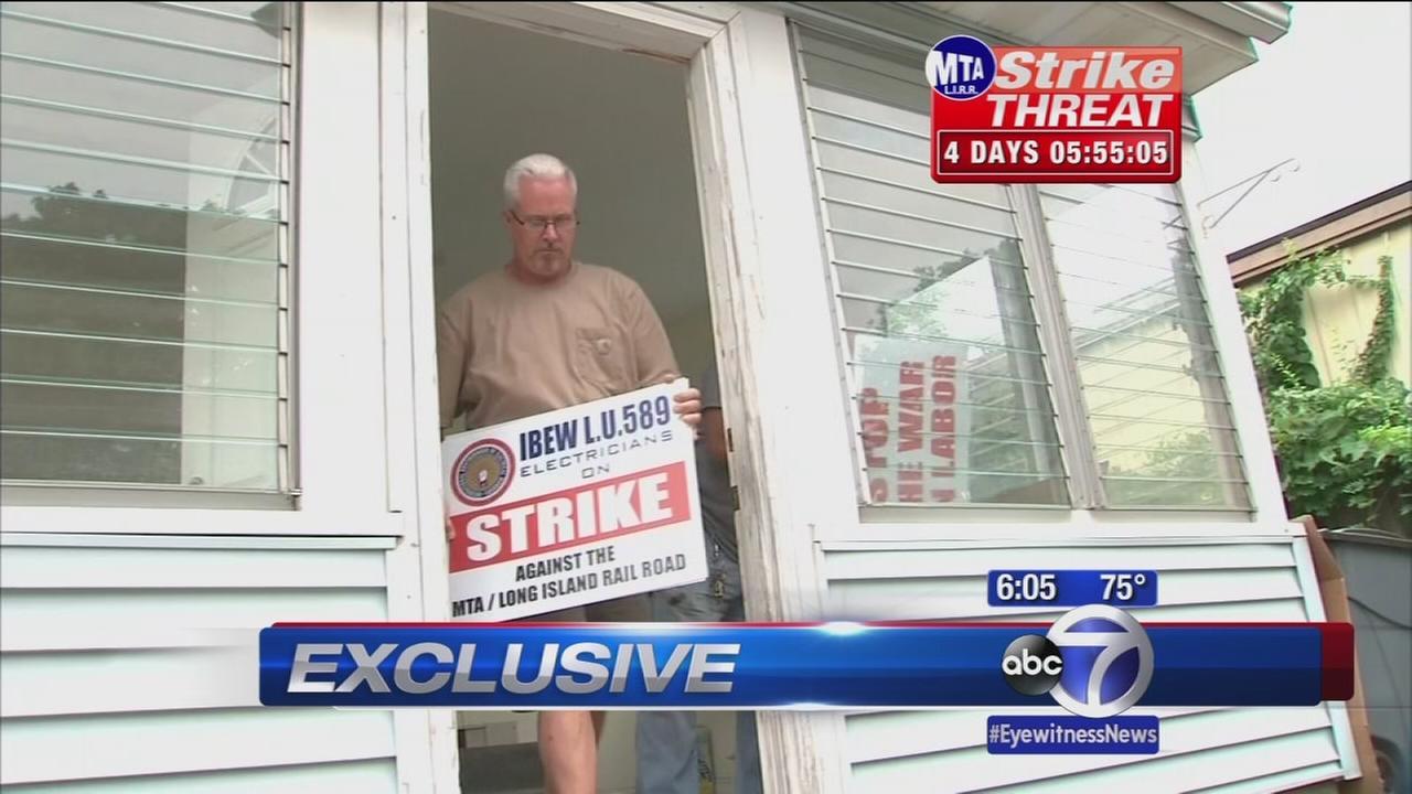LIRR prepares to strike, negotiations stalled