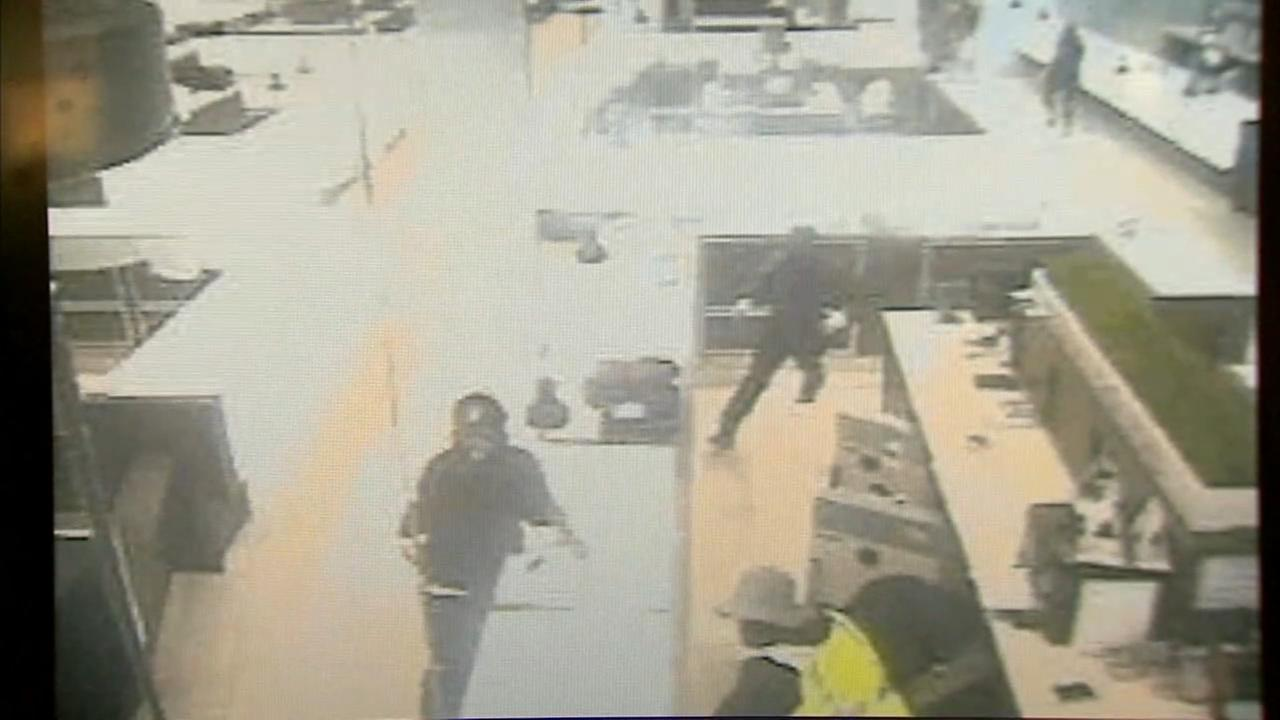 Surveillance video of jewelry store robbery in NJ