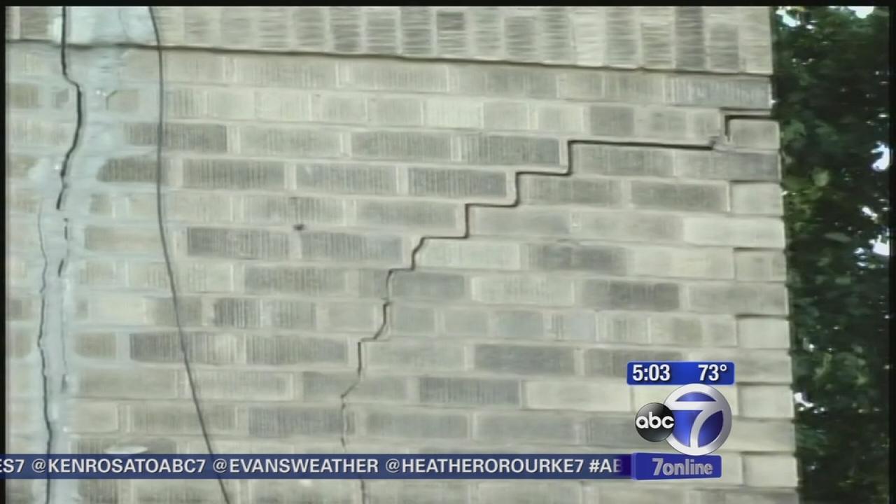 Construction cracks render Brooklyn building unstable