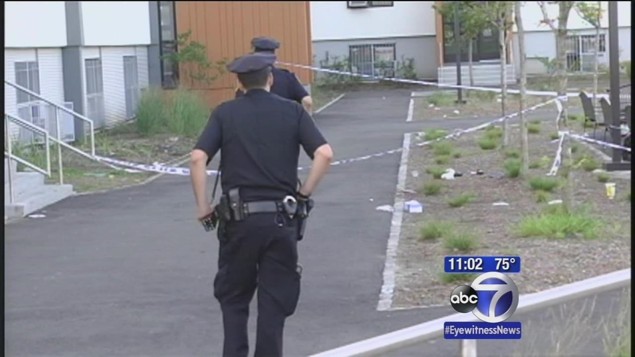 12-year-old shot in leg in Queens; 2 suspects in custody