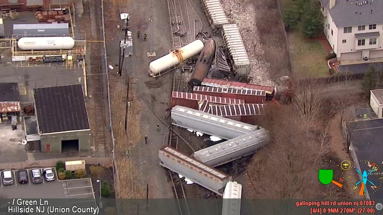 NewsCopter 7 over freight train derailment in NJ