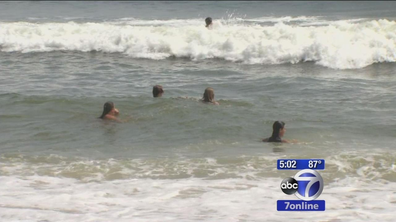 Beachgoers flock to Jersey Shore for unofficial end of summer