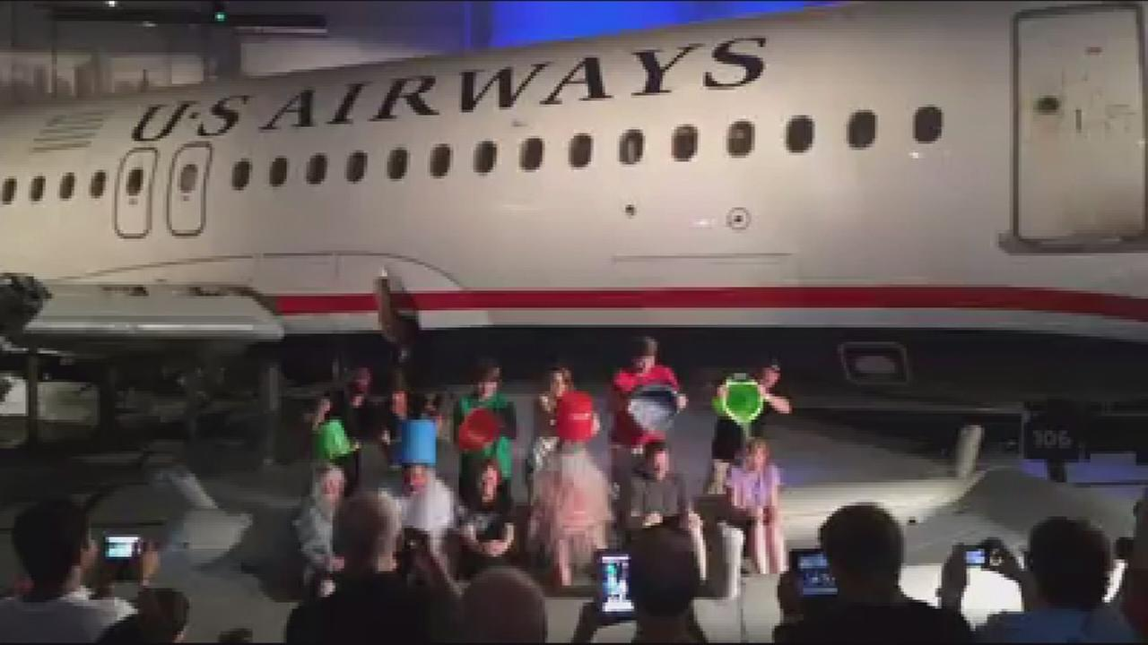 Passengers who survived ?Miracle on the Hudson? take the Ice Bucket Challenge