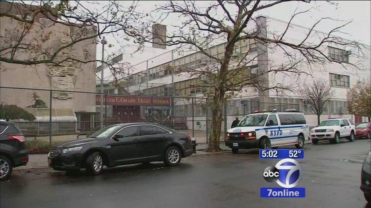 Arrest Made After Woman Shot Near Brighton Beach Brooklyn School Abc7ny