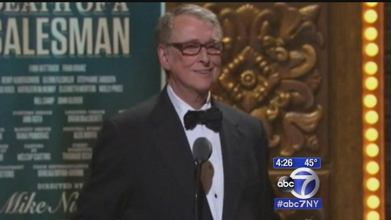 Legendary director Mike Nichols dies at 83