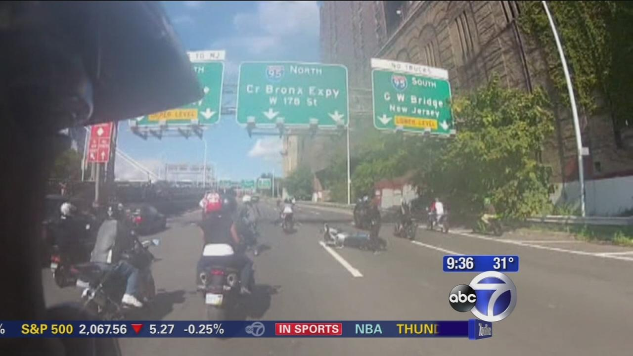 Motorcycle riders terrorize California drivers on the road