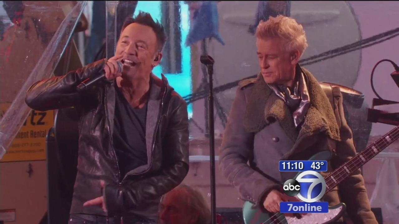 Bruce Springsteen plays with U2 for World AIDS Day
