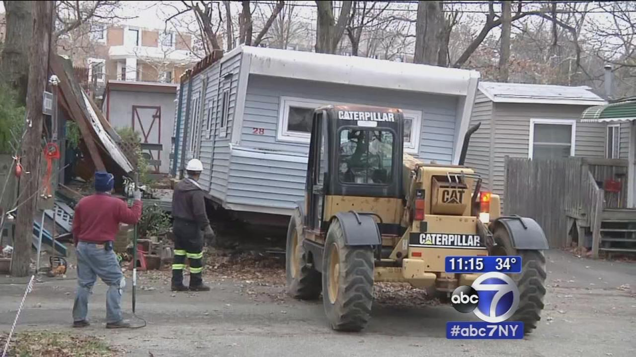 Residents evicted from Syosset trailer park, belongings hauled away
