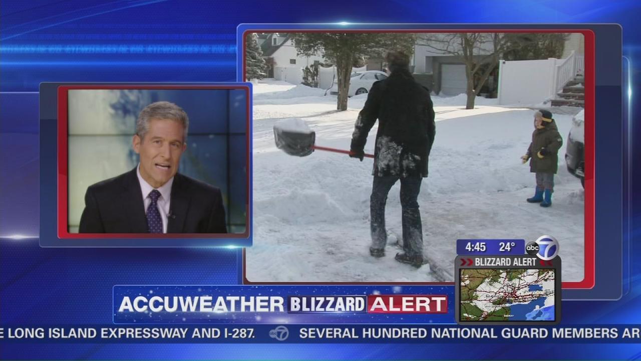 Health tips for shoveling snow