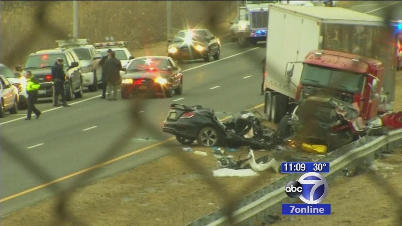 Off-duty officer and passenger killed in wrong way crash