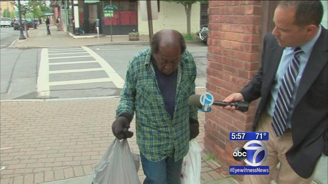 Homeless man returns pile of cash, a second time