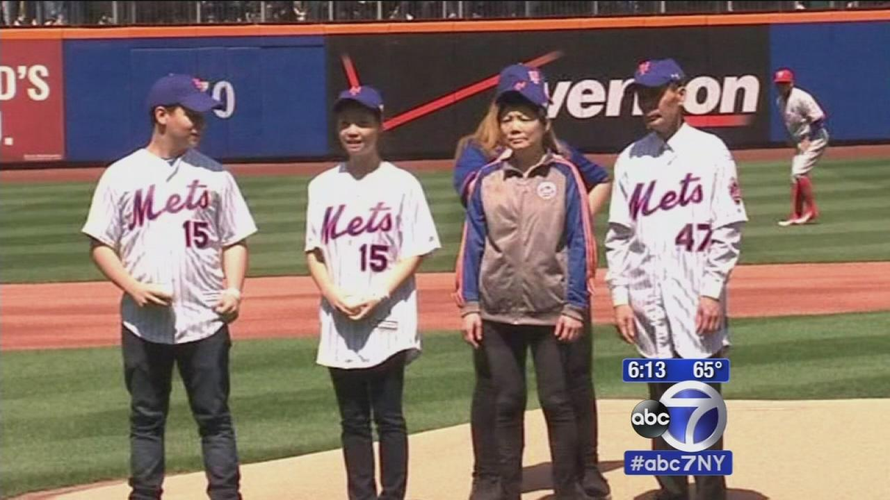 Mets honor families of fallen NYPD detectives at home opener
