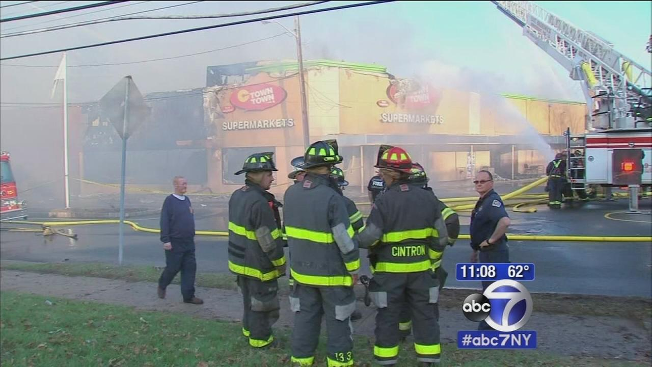 Grocery store destroyed in blaze in South Amboy