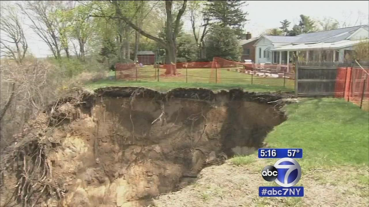 Collapsing yard threatens homes in Florence, NJ