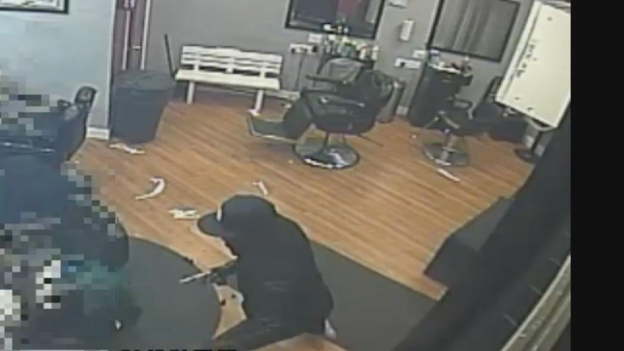 Armed robbery at Queens barber shop
