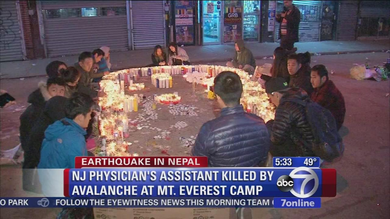 New Yorkers hold vigil for quake victims