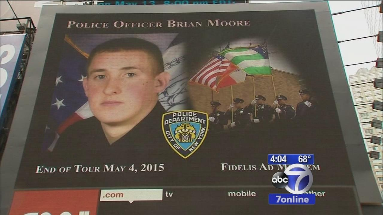 Times Square billboard pays tribute to fallen police officers