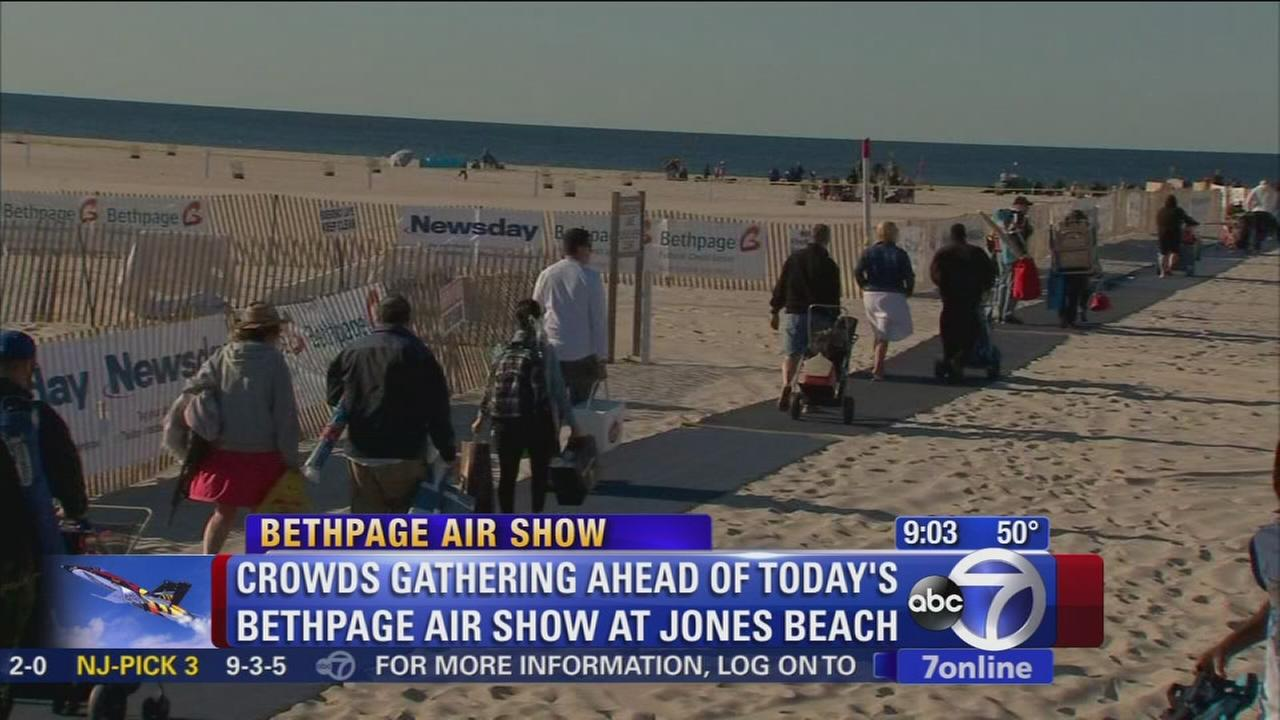 Memorial Beach vacationers hit beach for holiday